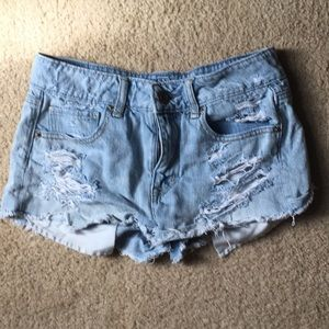 Light wash AEO denim shorts